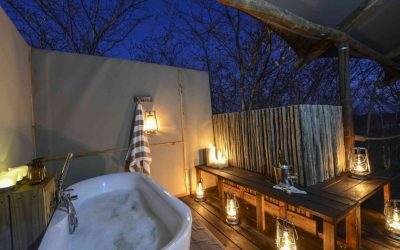Outdoor bathroom at Toka Leya Camp