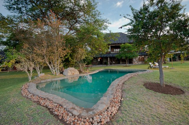 Nzumba Game Lodge, Klaserie Private Nature Reserve